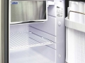 Travel-camper-location-T6-interieur-refrigerateur