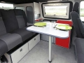 Travel-camper-location-T6-interieur-table