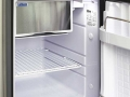 Travel-camper-location-T6-confort-interieur-refrigerateur